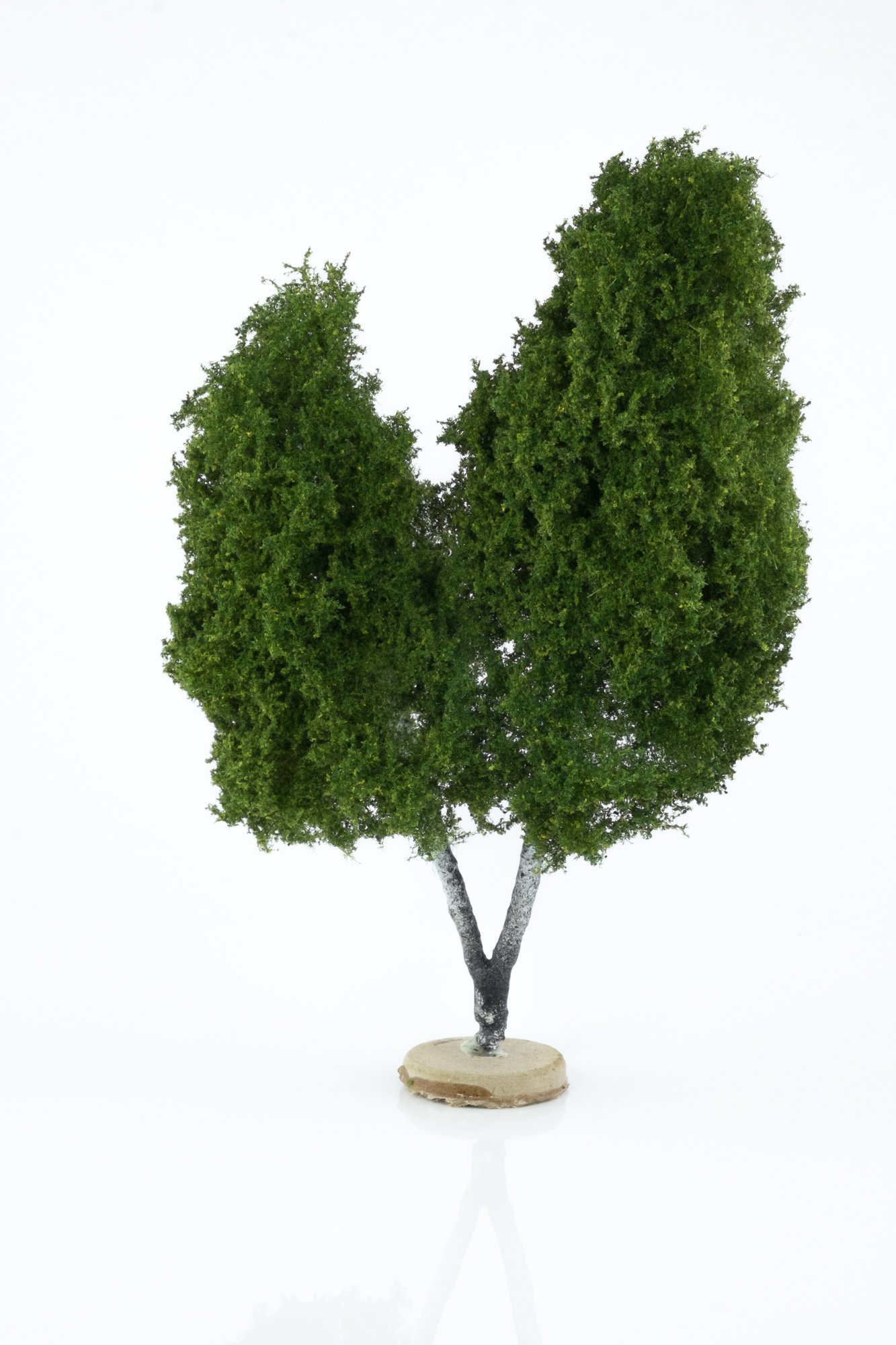 Hand-made, double, birch tree model. Size between 14 and 16 cm. Made from high quality model supplies by Primo Models.