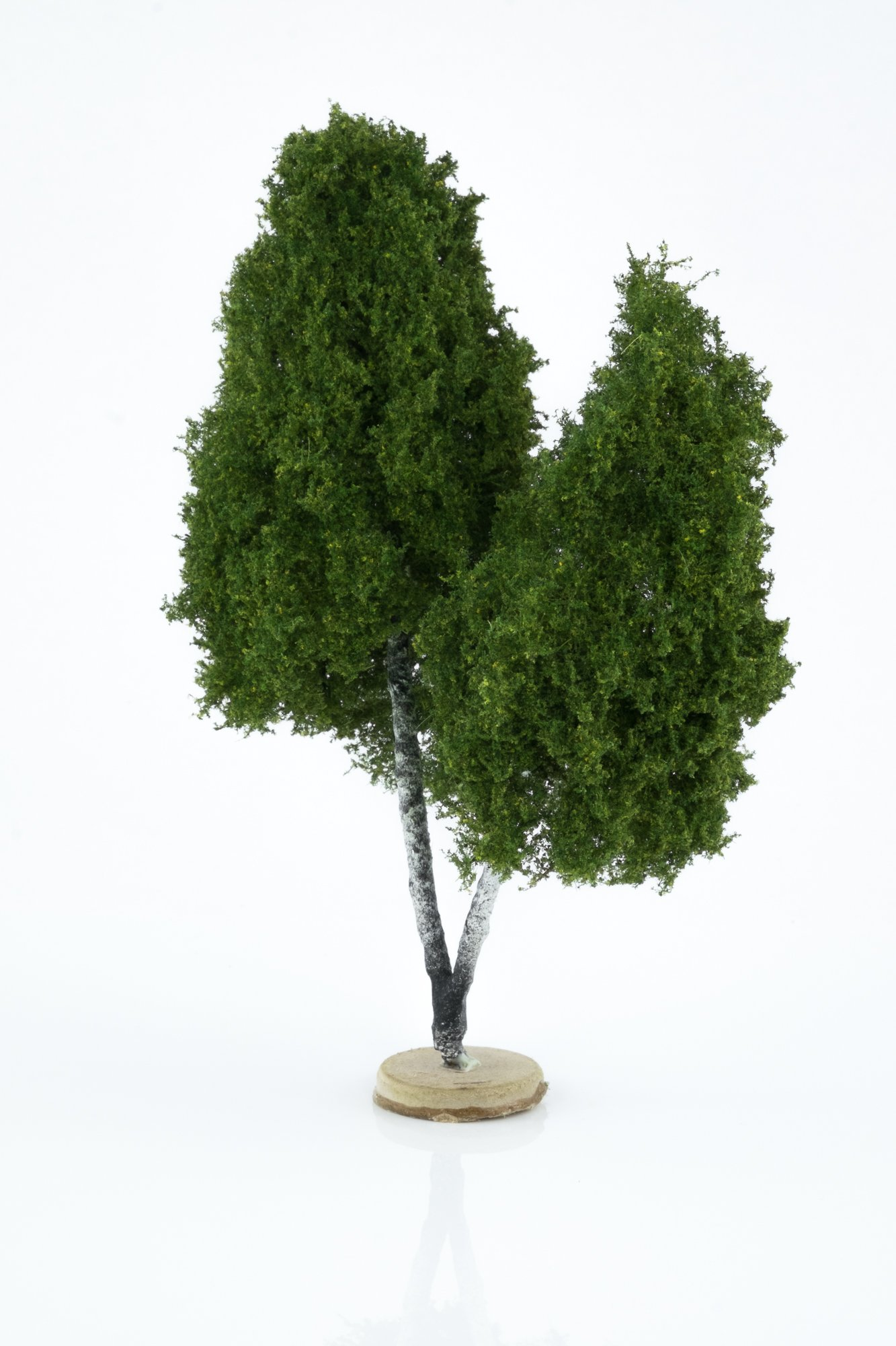 Hand-made, double, birch tree model. Size between 18 and 20 cm. Made from high quality model supplies by Primo Models.