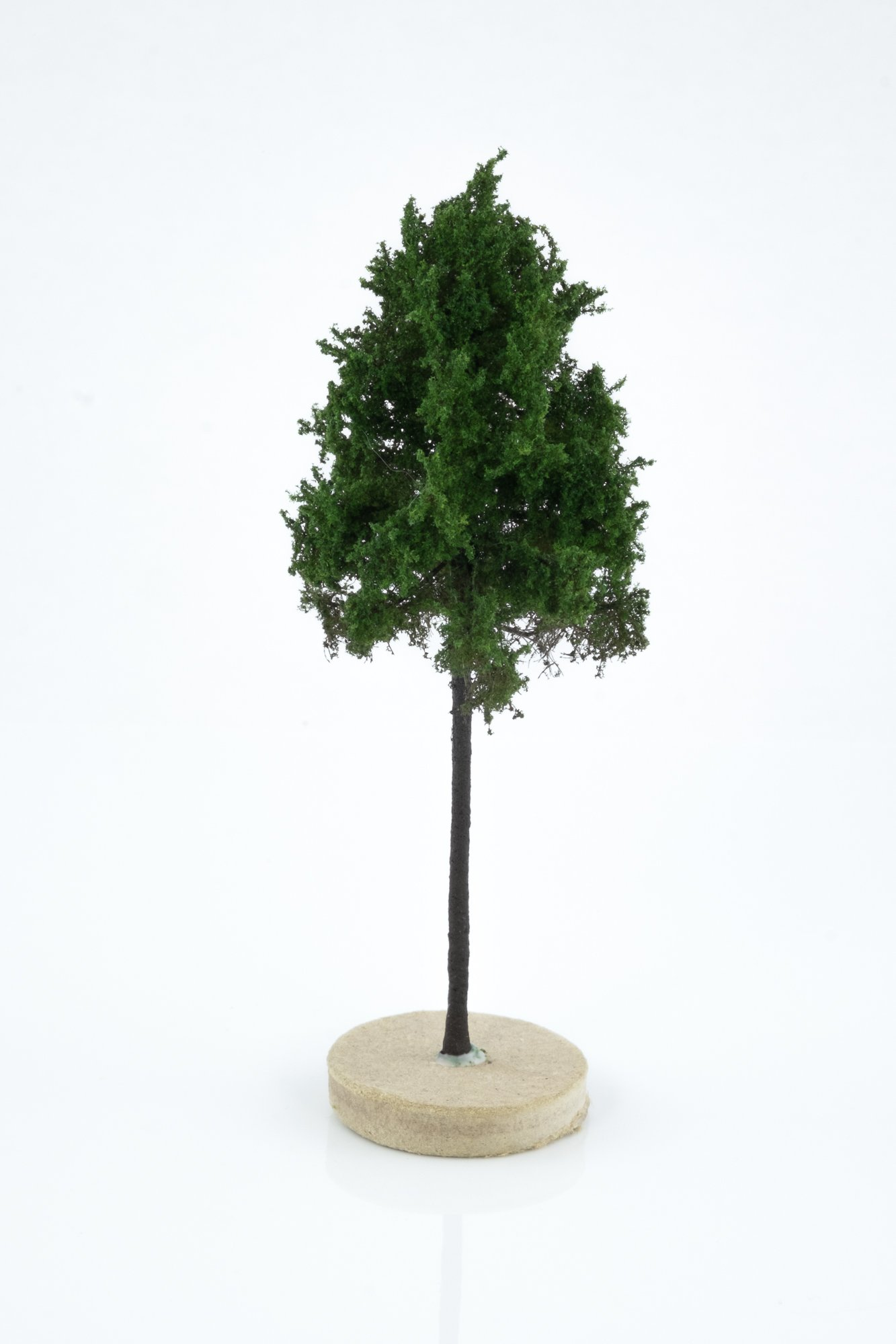 Hand-made, green, forest larch tree model. Size between 8 and 12 cm. Made from high quality model supplies by Primo Models.