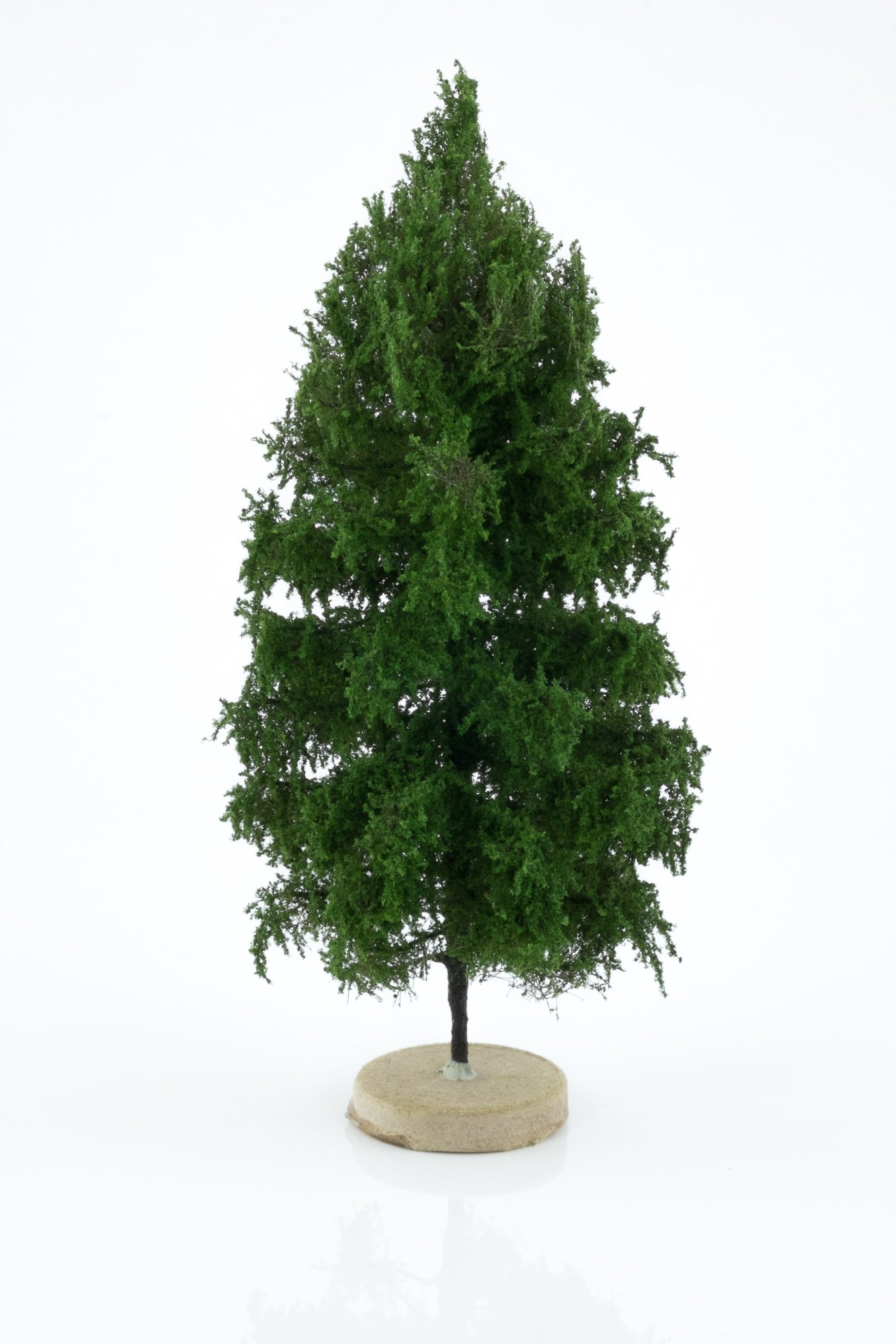 Hand-made, green, larch tree model. Size between 14 and 16 cm. Made from high quality model supplies by Primo Models.