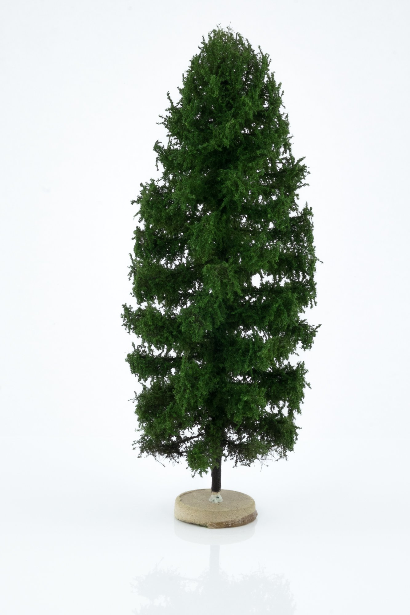 Hand-made, green, larch tree model. Size between 18 and 20 cm. Made from high quality model supplies by Primo Models.