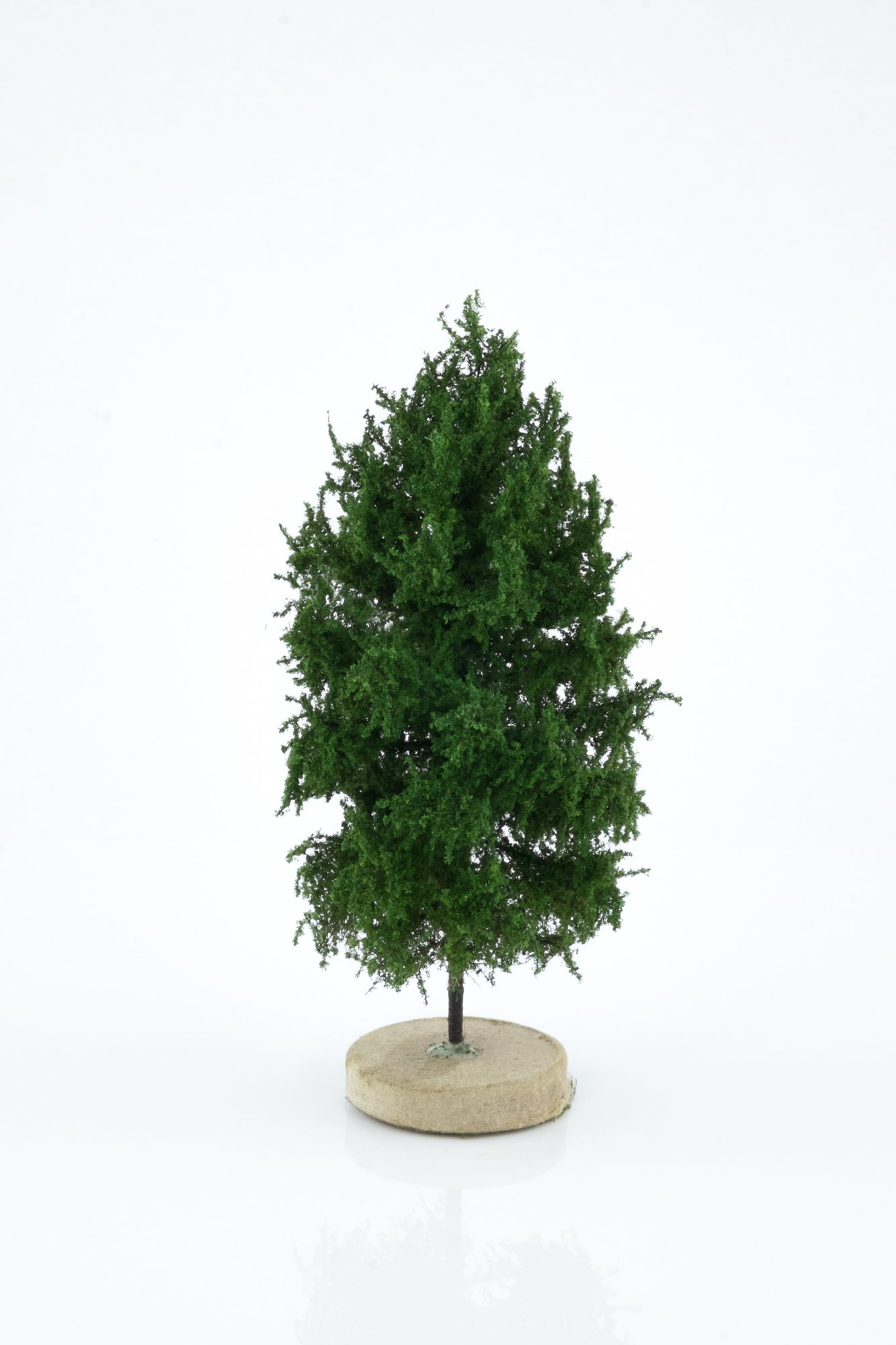 Hand-made, green, larch tree model. Size between 8 and 12 cm. Made from high quality model supplies by Primo Models.