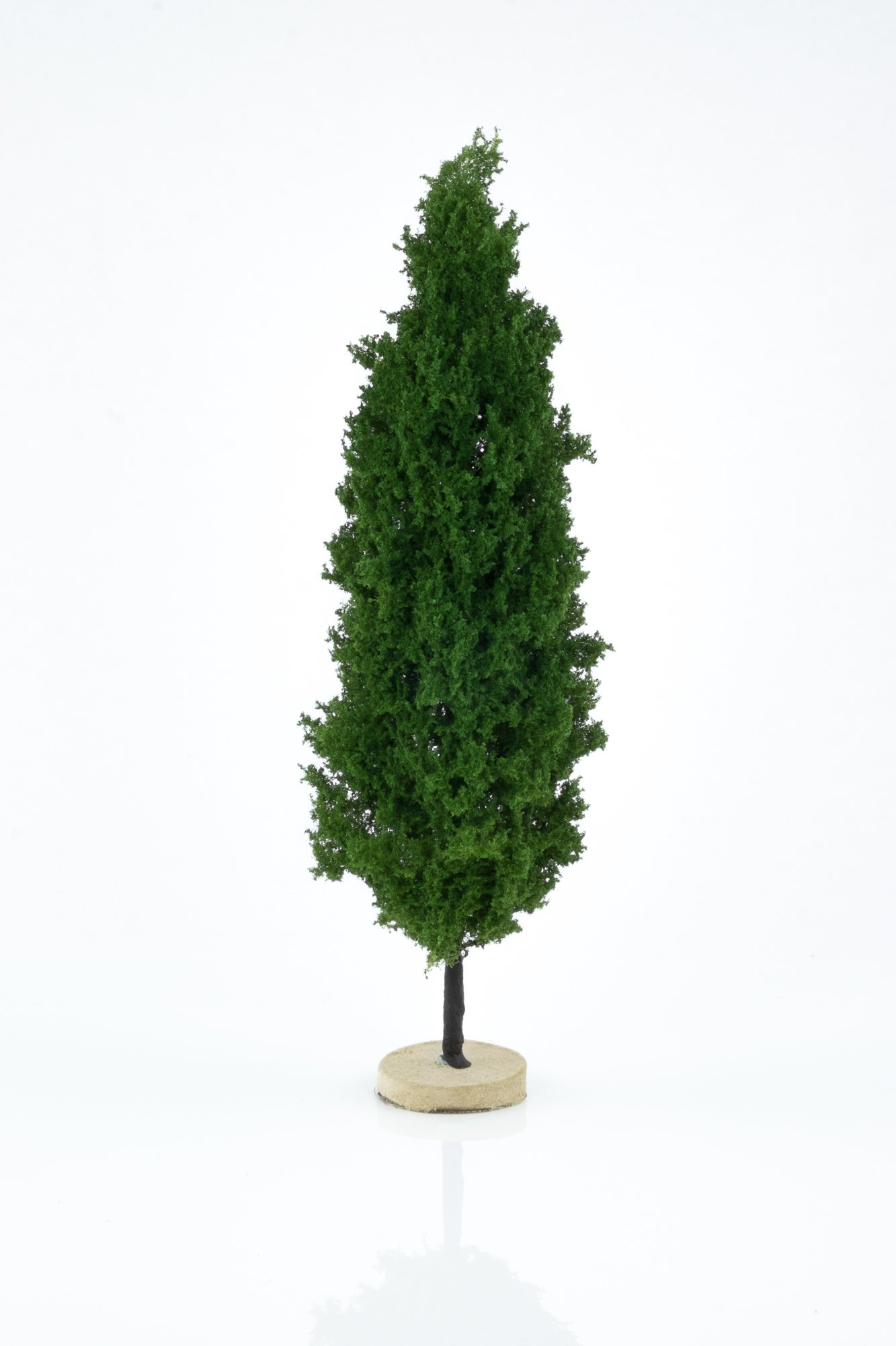 Hand-made, green, poplar tree model. Size between 18 and 20 cm. Made from high quality model supplies by Primo Models.