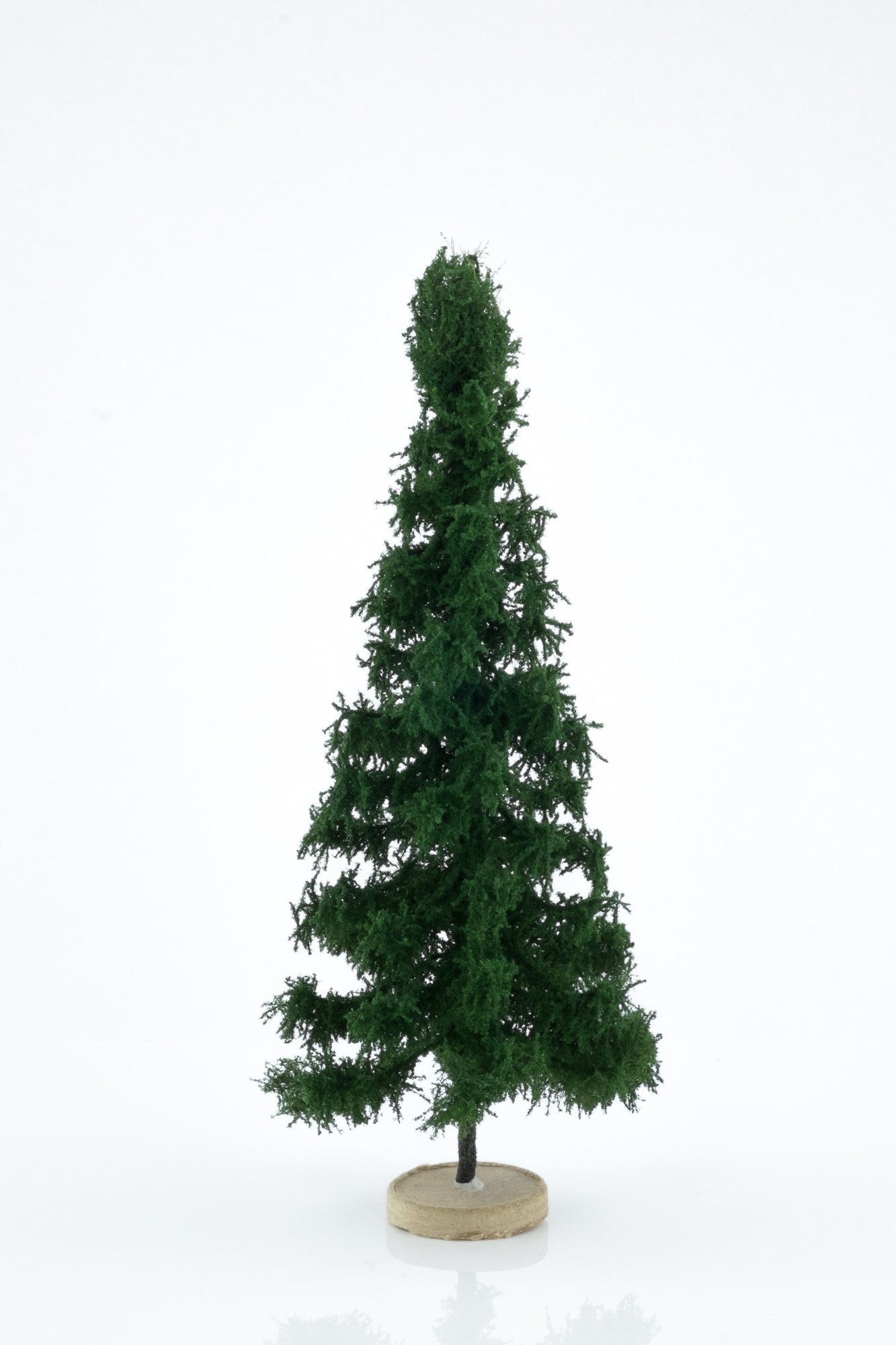 Hand-made, green, spruce tree model. Size between 18 and 20 cm. Made from high quality model supplies by Primo Models.