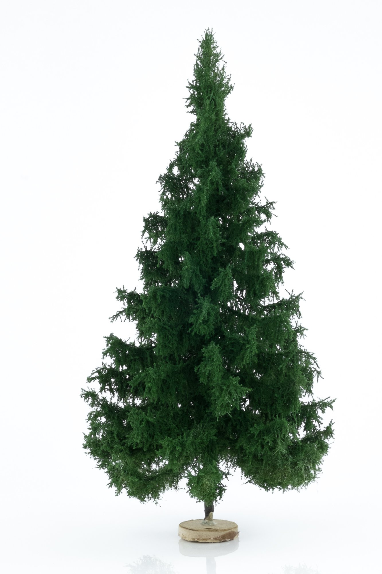 Hand-made, green, spruce tree model. Size between 26 and 28 cm. Made from high quality model supplies by Primo Models.
