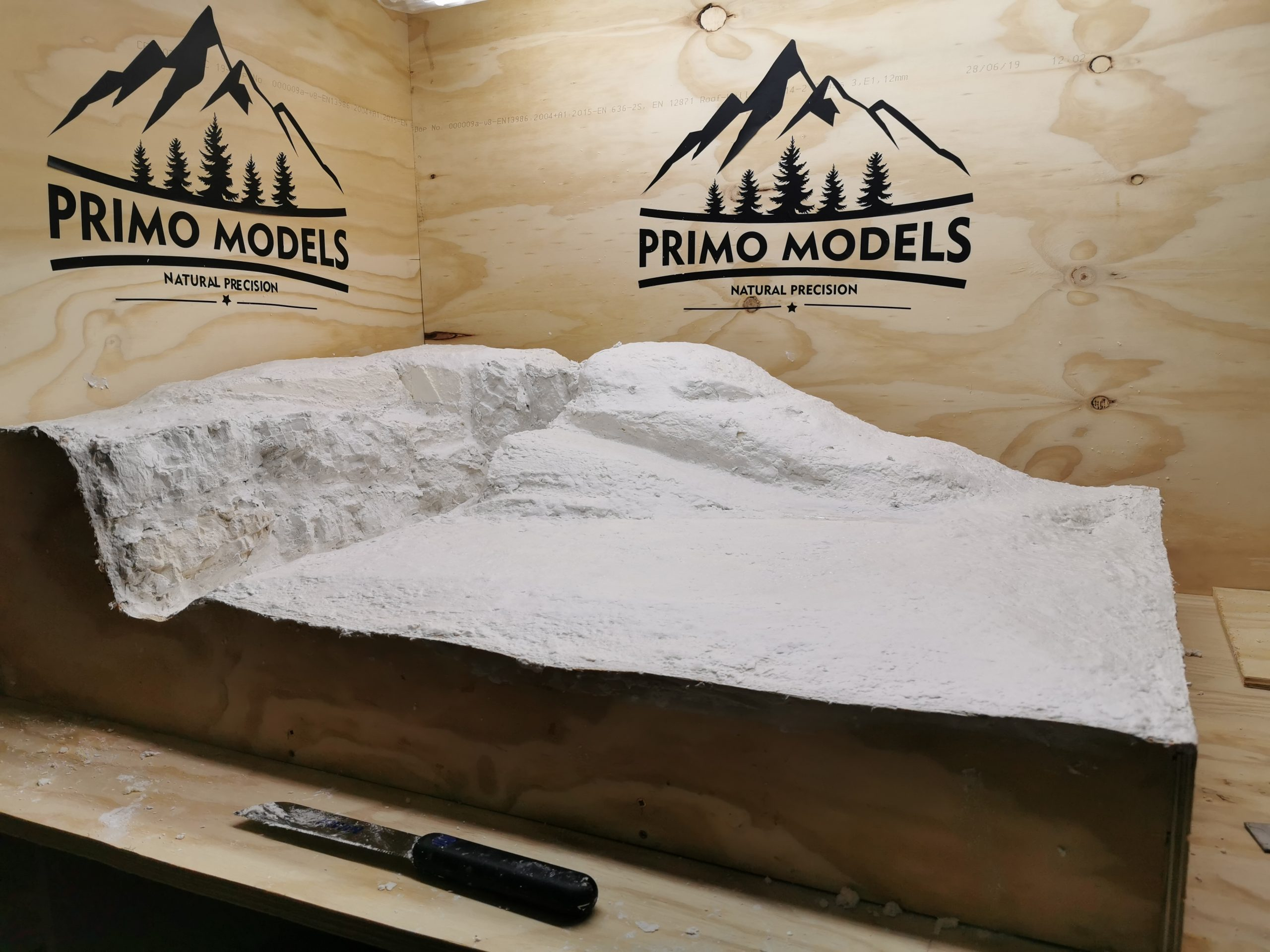 Model railway baseboard made by Primo Models, final stage.
